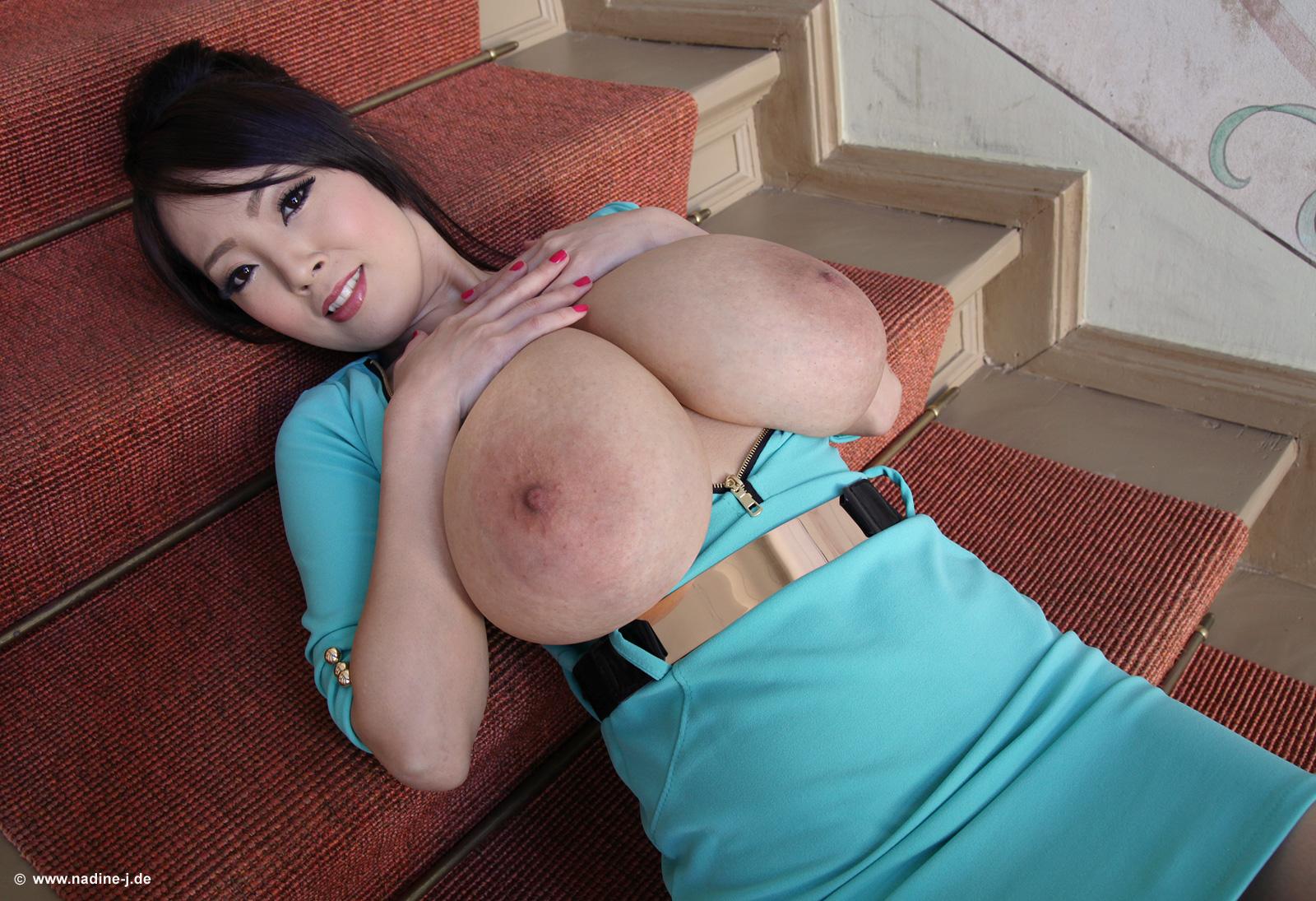 Pan Picks: Top 10 Hitomi Tanaka Videos